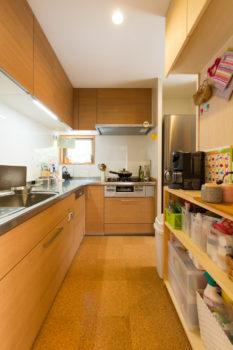 広島市安佐南区 建築設計事務所 かんくう建築デザイン コルク床1