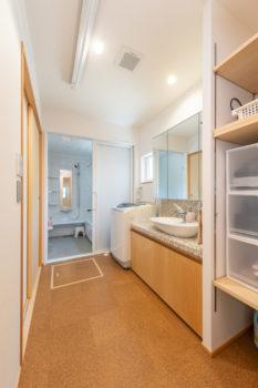 広島市安佐南区 建築設計事務所 かんくう建築デザイン コルク床2